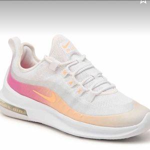 Nike Air Maxis